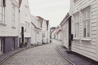 houses along the street