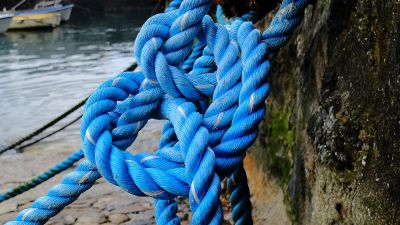 blue knotted rope