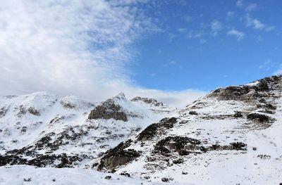 snowy rocky landscape