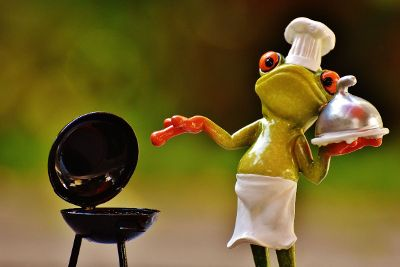 chef frog on the grill