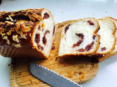 bread with peanuts is healthy snack