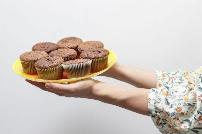 plate with cupcakes