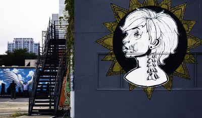 girl graphite