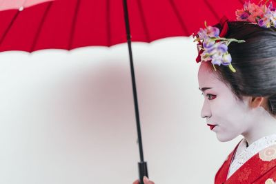geisha with red parasol